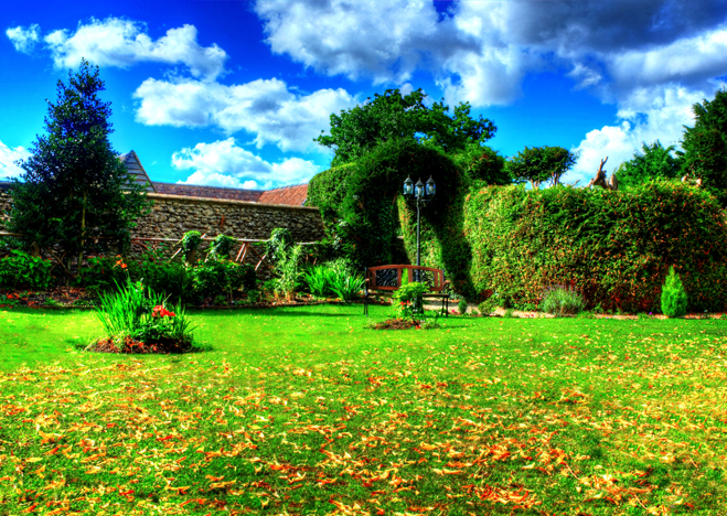 old_rectory_restaurant_gardens_front-2013_09_16-17_03_24-utc